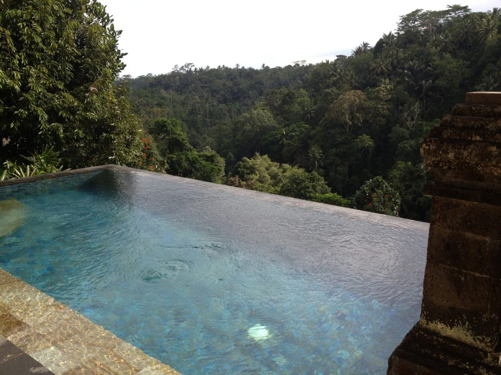 A hotel pool overlooking the jungle in Ubud. Photo: Pixabay